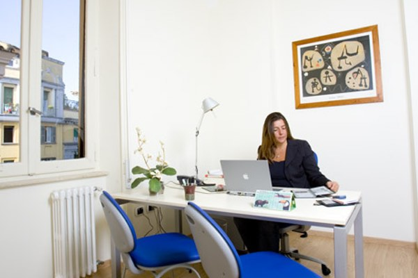 """""""Mirò"""" office. Size: 12 sq. mts. Workstations: 1 or 2 Description: nice corner office, sunny all the afternoon. Bright and quiet"""