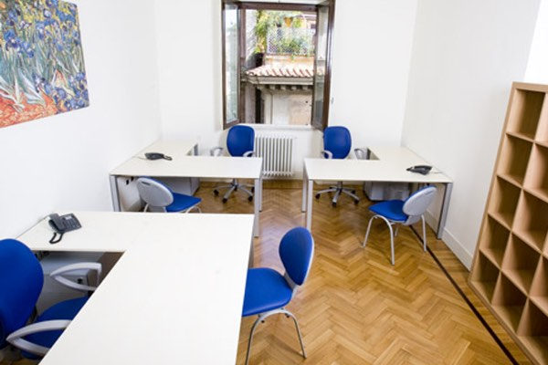 """""""Van Gogh"""" office Size: 22 sq. mts. Workstations: 3 (+ 1 on request) Description: large office, bright and sunny with wood beams ceiling"""